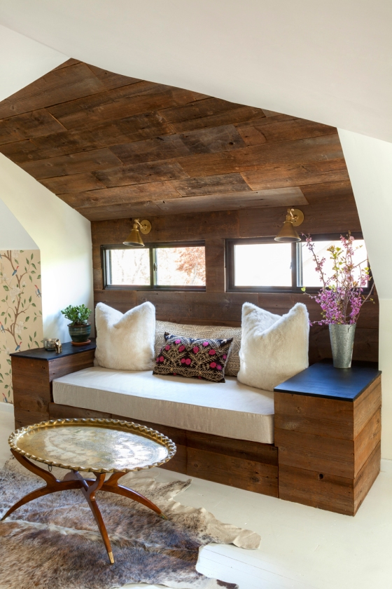Reclaimed-Wood-Wall-Built-In-Day-bed-Design-Manifest